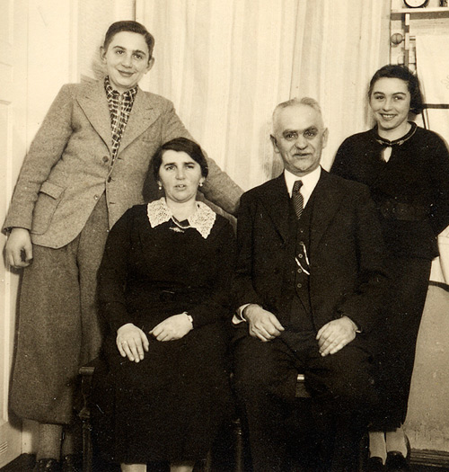 Leo, Frida, Yitzhak and Toni, Gera, October 1936.